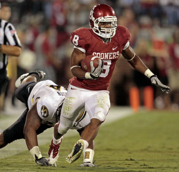Oklahoma's Dominique Whaley cuts up field on a long run during the Sooners game vs. Missouri on Saturday in Norman. Photo by Steve Sisney, The Oklahoman