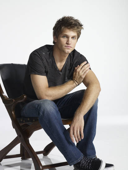 "PRETTY LITTLE LIARS - Keegan Allen stars as Toby Cavanaugh on ABC Family's ""Pretty Little Liars."" (ABC FAMILY/MATHIEU YOUNG)"