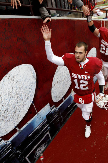 Oklahoma quarterback Landry Jones needs receivers other than Kenny Stills to step up Saturday against Kansas State. PHOTO BY BRYAN TERRY, THE OKLAHOMAN