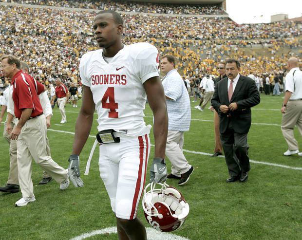 Malcolm Kelly walks off the field after OU's loss to COlorado in the college football game between the University of Oklahoma Sooners (OU) and the University of Colorado Buffaloes (CU) at Folsom Field on Saturday, Sept. 28, 2007, in Boulder, Co.  By Bryan Terry, The Oklahoman