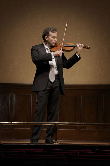 Gil Shaham. Photo by Arthur Ka Wai Jenkins. <strong>Photo by Arthur Ka Wai Jenkins</strong>
