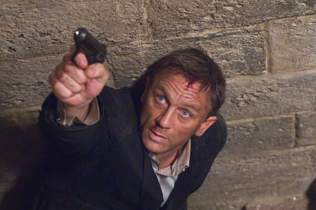 "MOVIE / FILM: In this image released by Sony Pictures, Daniel Craig stars as James Bond 007 in pursuit of an Mi6 traitor in a scene from ""Quantum of Solace.""  (AP Photo/Sony Pictures, Susie Allnutt ) ** NO SALES ** ORG XMIT: NYET213"