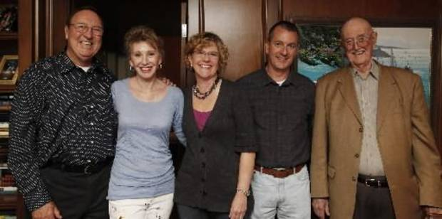 Bob Gilliland, Ann Felton Gilliland, Astrid Morrison, Mike Morrison   and Bill Med celebrate Kevin George's birthday. (Photo by Jaconna    Aguirre.)
