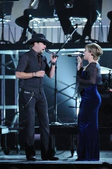 Jason Aldean and Kelly Clarkson (AP file)
