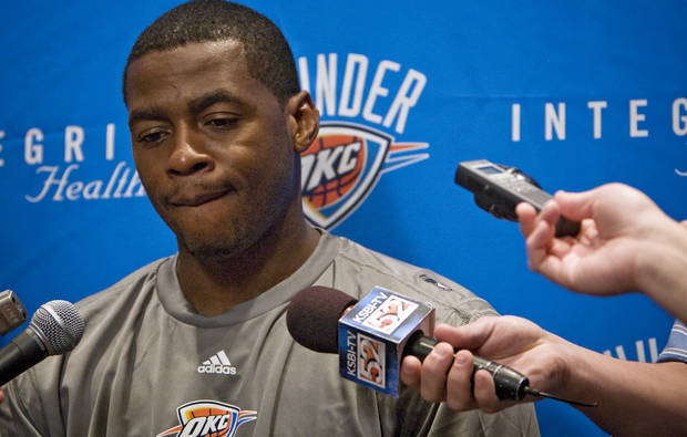 NBA BASKETBALL: Oklahoma City Thunder's Desmond Mason talks to the media during the team's exit interviews on Thursday, April 16, 2009, in Oklahoma City, Okla.  Photo by Chris Landsberger, The Oklahoman  ORG XMIT: KOD
