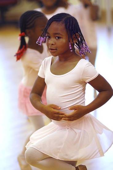 Donnavya Neal, 5, works on her ballet during practice for Metropolitan School of Dance  Saturday, May 7, 2011.  Photo by Doug Hoke, The Oklahoman