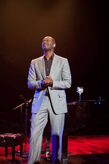 R&amp;B singer-songwriter Brian McKnight will perform at Langston University&#039;s President&#039;s Scholarship Gala in October. &lt;strong&gt;Photographer: KEV!NOU - www.bmcknight.com&lt;/strong&gt;