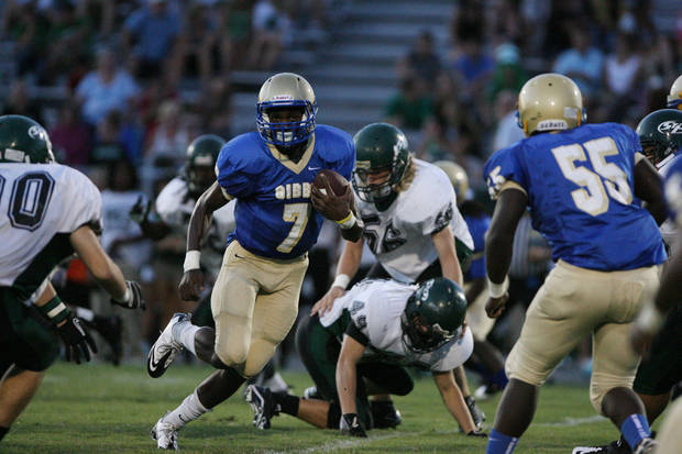 Oklahoma signee Gary Simon in action during a 2011 high school game. PHOTO COURTESY ST. PETERSBURG TIMES <strong>Zuppa, Chris</strong>