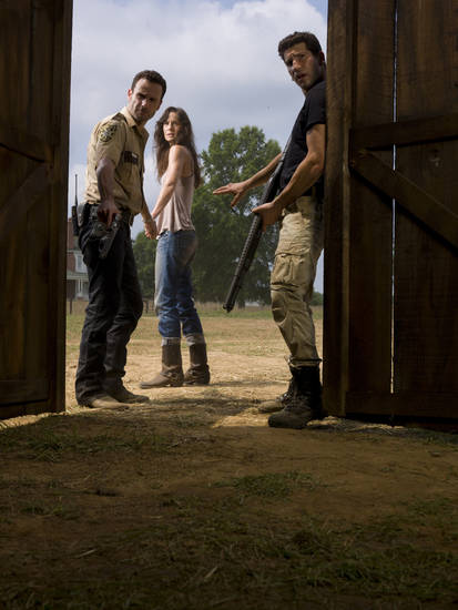 Rick Grimes (Andrew Lincoln), Lori Grimes (Sarah Wayne Callies) and Shane Walsh (Jon Bernthal) - The Walking Dead - Photo Credit: Matthew Welch/AMC - TWD2_GAL_Barn_Rick_Shane_Lori