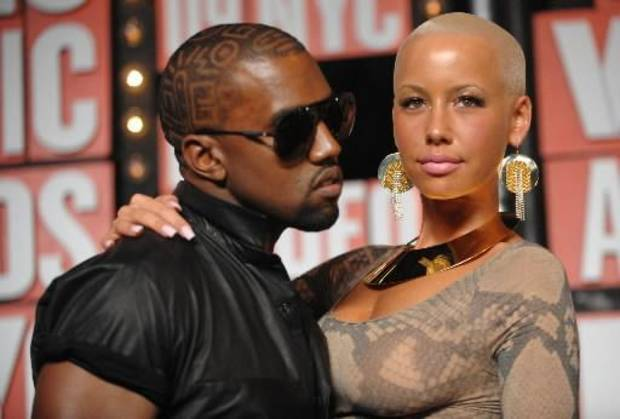 Kanye West and his girlfriend Amber Rose attend the 2009 MTV Video Music Awards (AP photo by Peter Kramer)