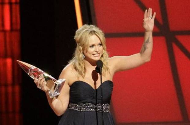 Lambert accepts the female vocalist of the year award.