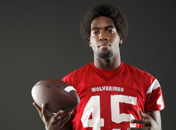HIGH SCHOOL FOOTBALL: All-State football player D.J. Ward, of Lawton, poses for a photo in Oklahoma CIty, Wednesday, Dec. 14, 2011. Photo by Bryan Terry, The Oklahoman