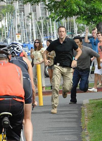 &quot;Hao Kanaka&quot; --  Five-0 (Alex O'Loughlin, center  black shirt; Daniel Dae Kim, right gray shirt) is baffled when a highly skilled ring of thieves pulls off a heist of an armored car, killing two security guards but leaving the money behind.  Their only lead in the case requires Danny to reluctantly ask his ex-wife for a favor, on HAWAII FIVE-0, Monday, Nov. 22 (10:00-11:00 PM, ET/PT) on the CBS Television Network. Photo: Neil Jacobs/CBS