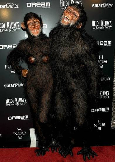 Heidi Klum and Seal dressed in matching ape outfits for Halloween.