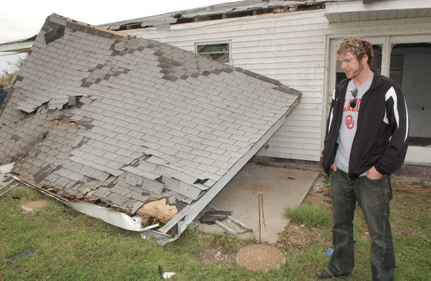 Joe Don Rooney, of the country music group Rascal Flatts visited his boyhood home in Picher on May 14. PHOTO BY GARY CROW, OKLAHOMAN ARCHIVE