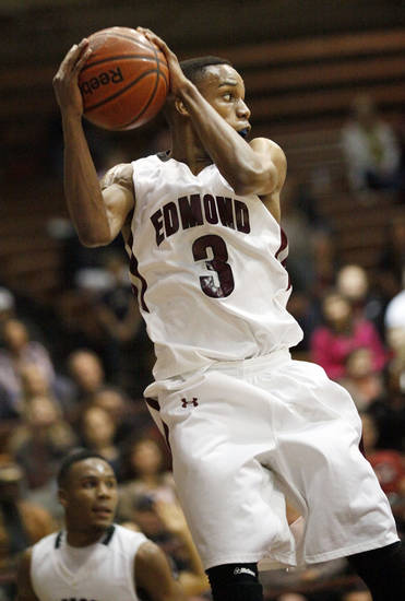 Edmond Memorial's James Woodard had 22 points in a win over Del City on Friday.