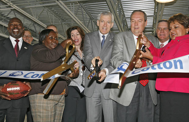 Dallas Mayor Tom Leppert cuts the ribbon to open the completed renovations to the Cotton Bowl on Wednesday, Sept 17,  2008, in Dallas, Texas.