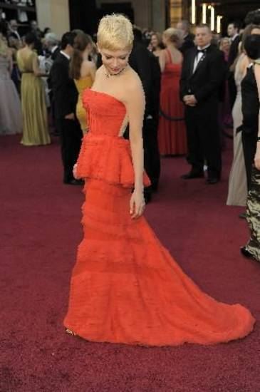 Michelle Williams arrives before the 84th Academy Awards on Sunday, Feb. 26, 2012, in the Hollywood section of Los Angeles. (AP)