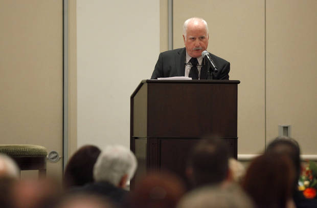 "Academy Award winning actor Richard Dreyfuss speaks during the Oklahoma Outreach Foundation's ""An Evening of Courage & Inspiration,"" at the Skirvin Hotel in Oklahoma City, Tuesday, October 11, 2011. Photo by Bryan Terry, The Oklahoman"