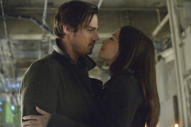 "Beauty and the Beast -- ""Playing with Fire"" -- Pictured (L-R): Jay Ryan as Vincent and Kristin Kreuk as Catherine -- Image Number: BB118a_0216.jpg — Photo: Ben Mark Holzberg/The CW -- © 2013 The CW Network, LLC. All rights reserved."
