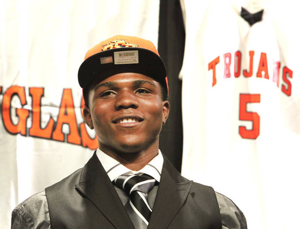 OKLAHOMA STATE UNIVERSITY / COLLEGE FOOTBALL / COMMIT / COMMITMENT: Douglass High School basketball player Stephen Clark announcing his decision to go to OSU, Friday, November 30, 2012.  Photo By David McDaniel/The Oklahoman
