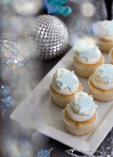 For holiday entertaining try a Jack Frost party theme. (Ross Hailey/Fort Worth Star-Telegram/MCT)