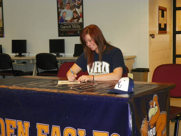 Tuttle's Delaney Scrivner signs with Oral Roberts to play basketball.