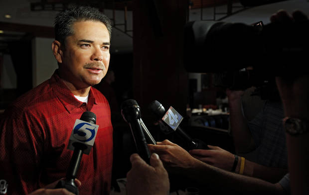 University of Oklahoma head coach Sunny Golloway speaks to the media during the Big 12 Baseball Championship Tournament press conference at Mickey Mantle's on Tuesday, May 19, 2009, in Oklahoma City, Okla.   Photo by Chris Landsberger, The Oklahoman  ORG XMIT: KOD