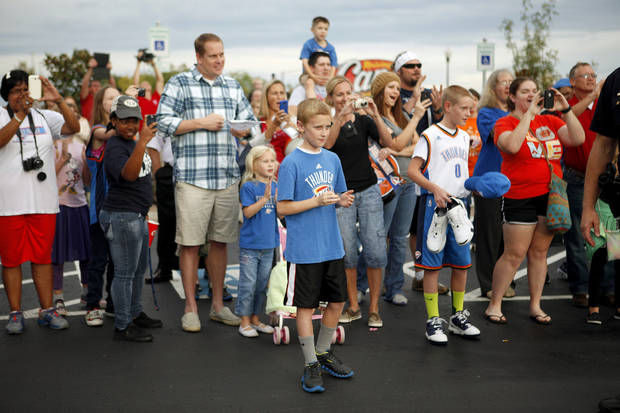 Fans wait for James Harden of the Oklahoma City Thunder at the new Raising Cane's in Edmond, Thursday, September 27, 2012. Photo by Bryan Terry, The Oklahoman