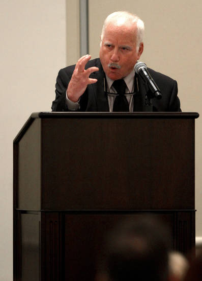 "Academy Award winning actor Richard Dreyfuss speaks during the Oklahoma Outreach Foundation's ""An Evening of Courage & Inpiration,"" at the Skirvin Hotel in Oklahoma City, Tuesday, October 11, 2011. Photo by Bryan Terry, The Oklahoman"
