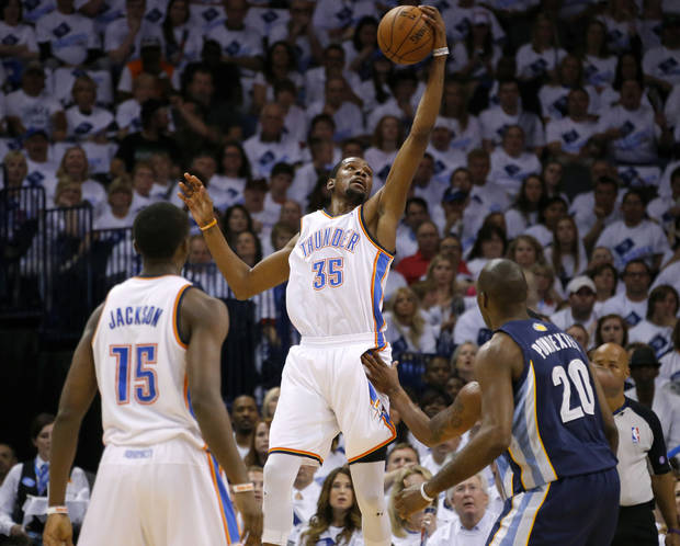 Oklahoma City's Kevin Durant (35) catches a pass during Game 5 in the second round of the NBA playoffs between the Oklahoma City Thunder and the Memphis Grizzlies at Chesapeake Energy Arena in Oklahoma City, Wednesday, May 15, 2013.  Photo by Bryan Terry, The Oklahoman