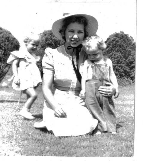 Joyce Marie (Walker) Ruggles with her children. Photo provided. <strong></strong>