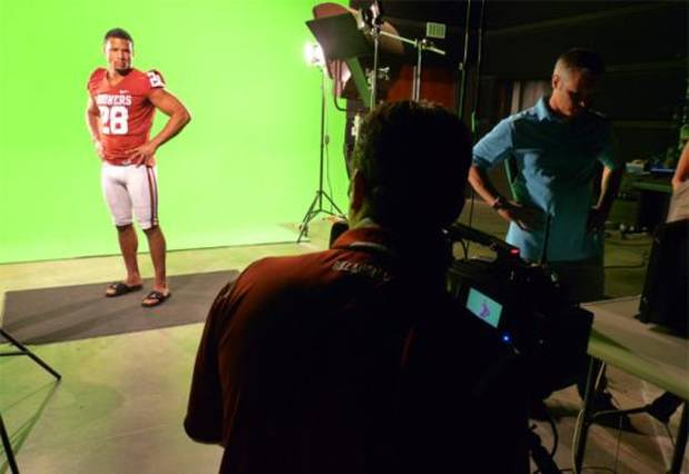Travis Lewis on the set of the OU football intro video shoot. Photo from the SoonerSportsCom Twitter feed.