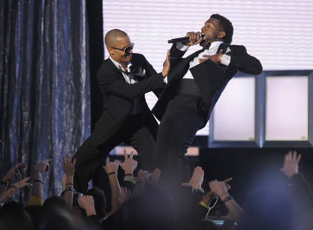 T.I., left, and Kanye West perform at the 51st Annual Grammy Awards on Sunday, Feb. 8, 2009, in Los Angeles. (AP Photo/Mark J. Terrill) 