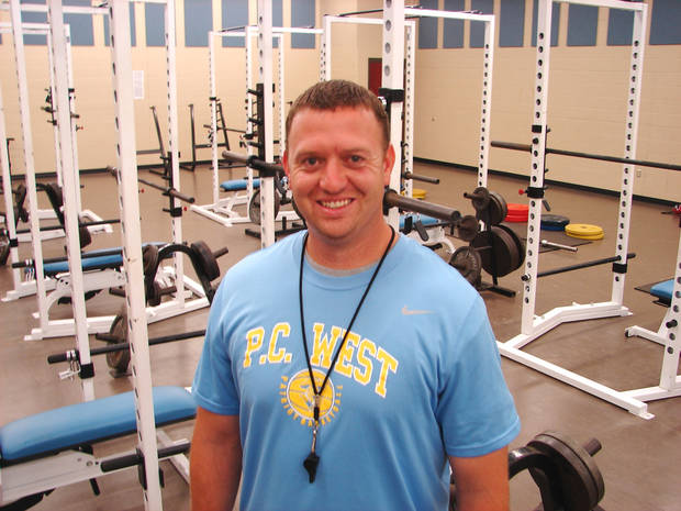 Putnam City West promoted linebackers coach Rocky Martin to head football coach on Friday.