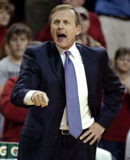 Texas coach Rick Barnes shouts instructions during the second half of  a game at Arkansas. AP photo