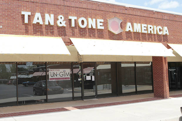 Tan & Tone America at 2121 W Edmond Rd.  The company closed all its metro area stores Monday, leaving customers high and dry. <strong>David McDaniel - The Oklahoman</strong>
