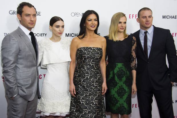"Jude Law, from left, Rooney Mara, Catherine Zeta-Jones, Vinessa Shaw and Channing Tatum attend the premiere of ""Side Effects"" hosted by the Cinema Society and Open Road Films on Thursday, Jan. 31, 2013 in New York. (Photo by Charles Sykes/Invision/AP)"