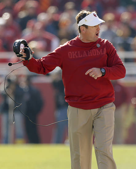 Oklahoma coach Bob Stoops reacts during a college football game between the University of Oklahoma (OU) and Iowa State University (ISU) at Jack Trice Stadium in Ames, Iowa, Saturday, Nov. 3, 2012. Oklahoma won 35-20. Photo by Bryan Terry, The Oklahoman