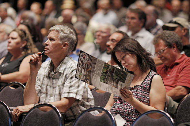 Citizens listen during a public meeting held by ODOT and the city to get input on the downtown boulevard Tuesday, August 21, 2012. Photo by Doug Hoke, The Oklahoman.