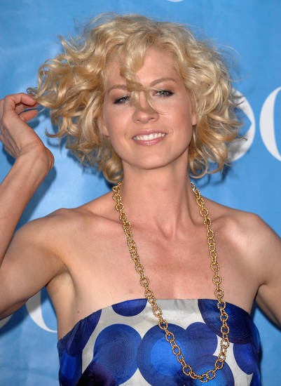 Actress Jenna Elfman arrives at the 2009 CBS Network Upfront party on Wednesday, May 20, 2009 in New York. (AP Photo/Evan Agostini)  ORG XMIT: NYEA102
