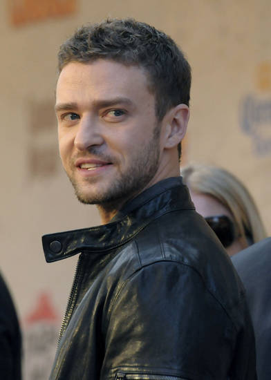Justin Timberlake arrives at the Spike TV Guys Choice Awards on Saturday, June 4, 2011, in Culver City, Calif. (AP Photo/Dan Steinberg)