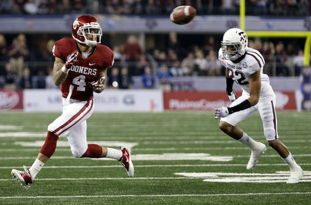 Oklahoma�s Kenny Stills is willing to throw downfield blocks. Photo by Chris Landsberger, The Oklahoman
