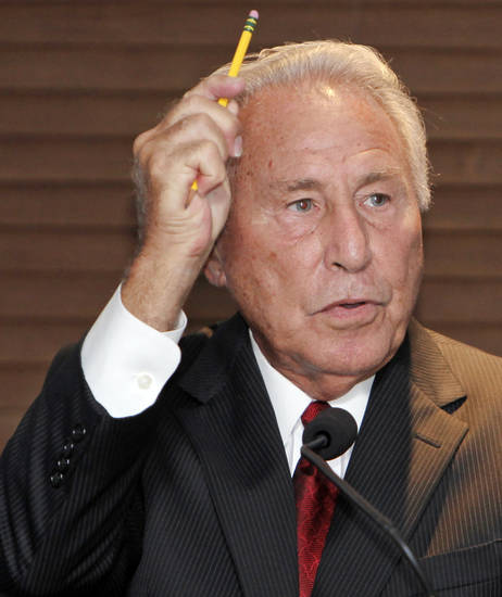 ESPN college football analyst Lee Corso speaks about being a stroke survivor as part of the St. Anthony Stroke of Courage event at the Gaylord-Pickens Oklahoma Heritage Museum in Oklahoma City, Tuesday, August 17, 2010. Photo by Nate Billings