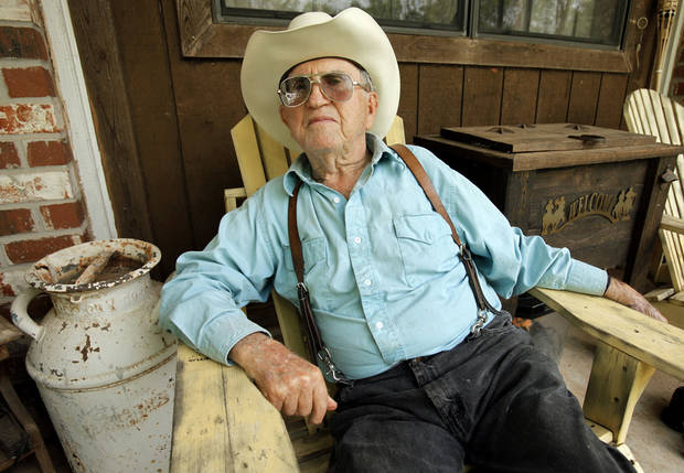 Ray Waldron, of Noble, who will turn 89 in July, is the oldest participant in the annual trail ride that commemorates Oklahoma�s 1889 Land Run.  OKLAHOMAN ARCHIVES PHOTO