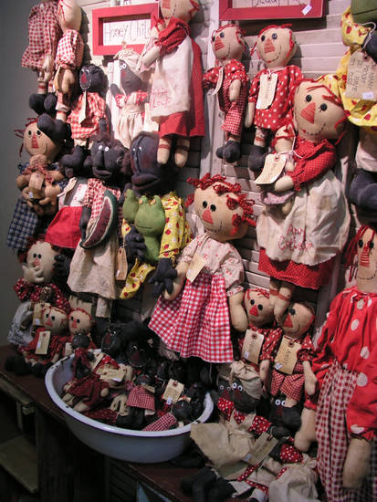 Rag dolls like these and other vintage seasonal items created by folk festival vendors. Country Keepsakes are examples of the handcrafted offerings available at the Beavers Bend Folk Festival & Craft Show. (Photo provided)