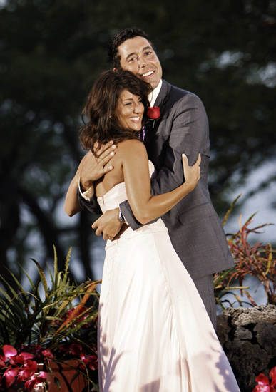 "In this image released by ABC, Jillian Harris embraces Ed Swiderski , after she chose him  in the season finale of the dating reality series, ""The Bachelorette"" airing Monday, July 28, 2009 in Hawaii. (AP Photo/ABC, Mario Perez)  ** NO SALES **  ORG XMIT: NYET502"