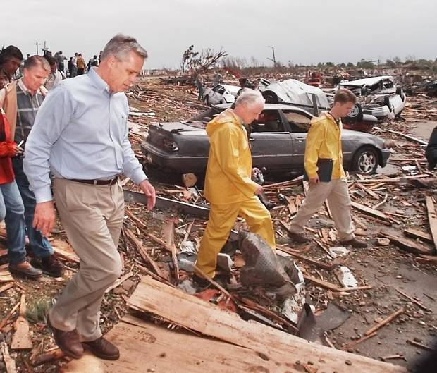 MAY 3, 1999 TORNADO: L-R  FEMA Director James Lee Witt (far left behind mayor) Oklahoma City Mayor Kirk Humphreys, and Gov. Frank Keating on the southeast corner of Westmoore High School looking over the tornado damage.