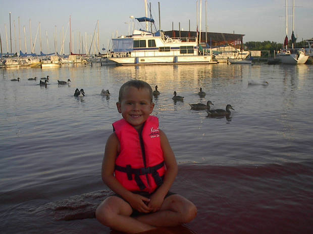 Thunderbird lake. and kash w ducks<br/><b>Community Photo By:</b> Tama<br/><b>Submitted By:</b> Tama, Midwest