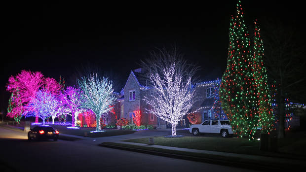 Christmas lights at house at 2616 Kensington Terrace in Edmond Tuesday, December 4, 2012. Photo by Doug Hoke, The Oklahoman